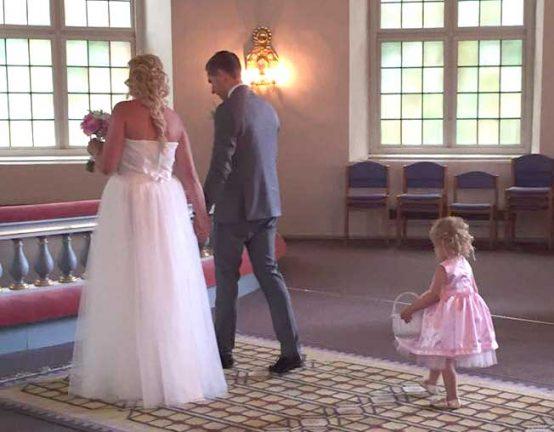 Nygifta: Therese och Johan