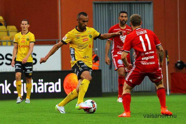 Tre mål av Issam Jebali