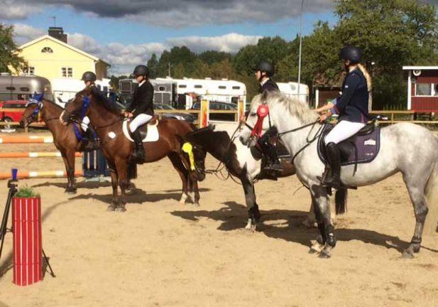 Fantastiska ponnyritter av VBR