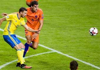 Sverige nära förlust mot Nederländerna