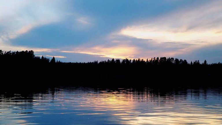 Tävlingsbild 7: Vy över Hjortsjön