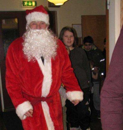 Julfest med tradition för barn i Hok