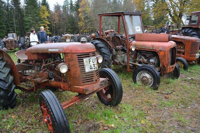 Enorm traktorsamling auktionerades bort