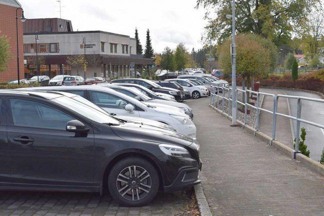 Parkeringsplatser används felaktigt