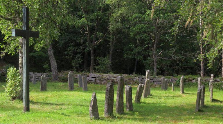 Ödekyrkogården i Åsenhöga, del 2