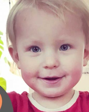 Charlie Ahlqvist 2 år