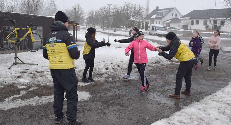 Elever sprang för barncancer