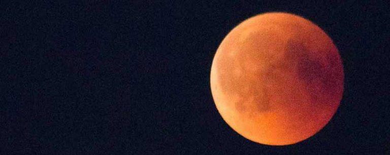 Den blodröda månen syntes inte