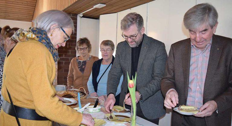 TV: Soppan lockar många till kyrkan