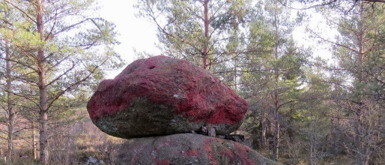 Blodiga stenen och andra målkulisser på Skillingaryds skjutfält