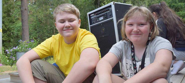Sommarlovslediga barn trivs på Bäckalyckan