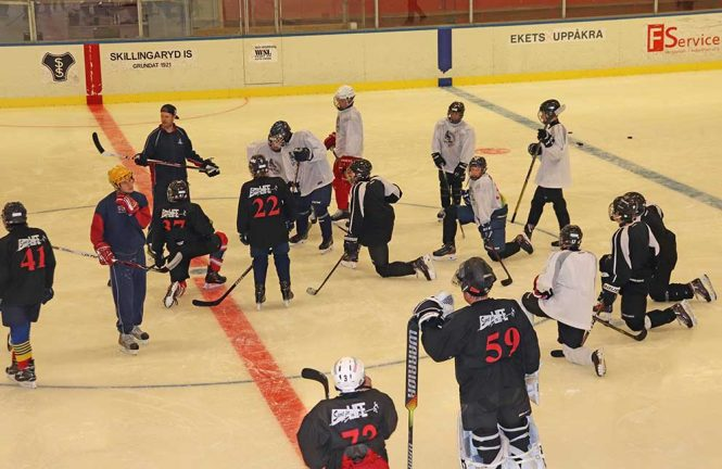 Ishockeyskolan igång på allvar