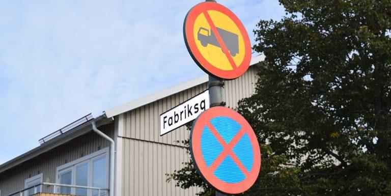 Besvärlig trafiksituation på Fabriksgatan