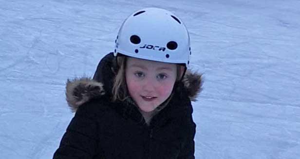 Nova Svensson 7 år