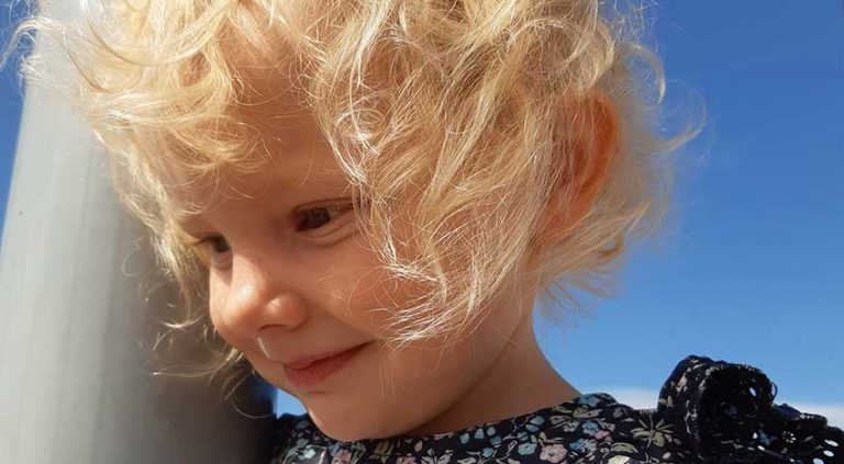 Elaine Aronsson 3 år
