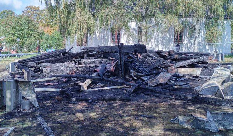 Hagshults klockstapel brann inatt – förundersökning om mordbrand inledd