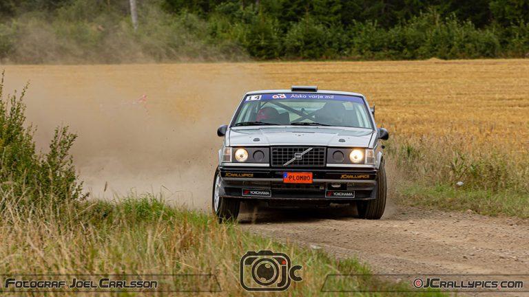 Rallyförare plockar SM-poäng